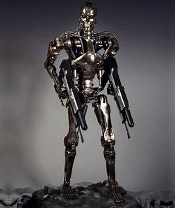 Lifesize Terminator - T-800 Endoskeleton - The Green Head