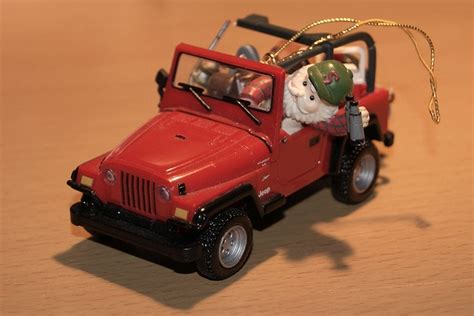 jeep cherokee christmas ornament enesco jeep wrangler christmas tree ornament by fortfan