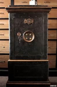 Meuble Coffre Fort : coffre fort ancien bauche deco en 2019 vault doors safe vault et antique safe ~ Nature-et-papiers.com Idées de Décoration