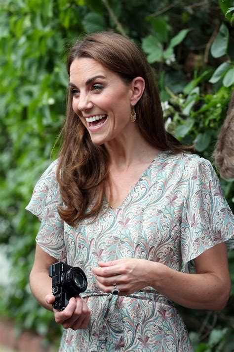 Prince william proposed to kate middleton in kenya in october 2010 by offering her the engagement ring that belonged to his mother, diana, princess of wales. KATE MIDDLETON at Photography Workshop for Action for Children in Kingston 06/25/2019 - HawtCelebs