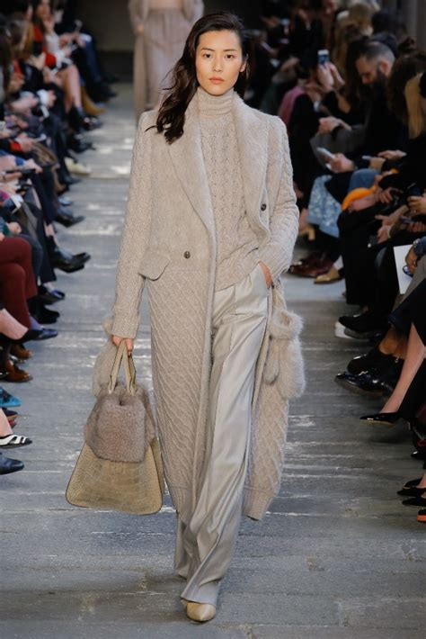 max mara fallwinter  collection milan fashion week