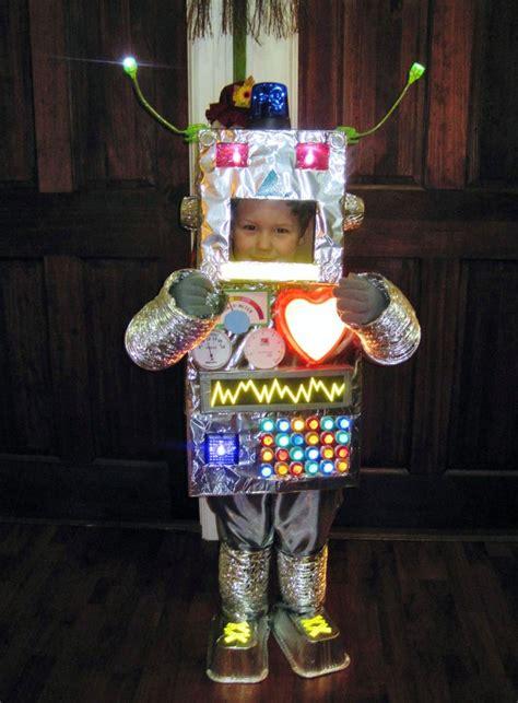 suuuuuper cute robot costume     big kid size