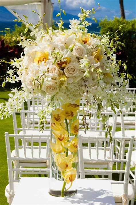 loveliest pale yellow wedding ideas modwedding