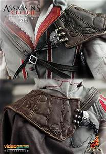 Hot Toys Assassin's Creed II Ezio - The Toyark - News