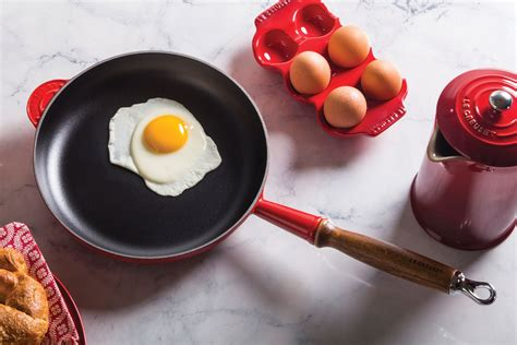 creuset le iron cast handle pan wood fry heritage cherry inch round shallow cutleryandmore