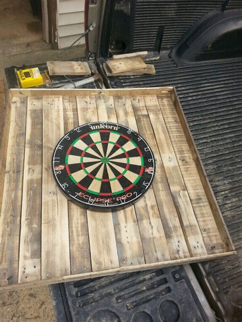 pallets    dart board