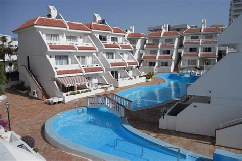 Apartment To Rent In Playa De Las Américas, Tenerife With Shared Pool