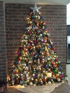 How to Recycle Wall Christmas Trees
