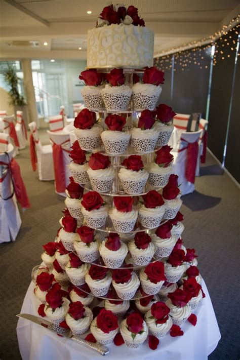 Amazing Red And White Wedding Cakes 26 Pic ~ Awesome