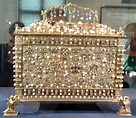 File:Jewellery coffret of Hedwig Jagiellon.jpg - Wikimedia ...