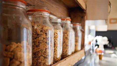 bocaux decoration cuisine visite une maison qui regorge d idées récup cocon de