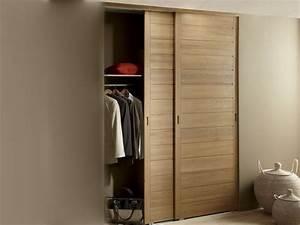 Des portes de placard coulissantes et pratiques leroy for Chambre à coucher adulte moderne avec prix changement fenetre pvc