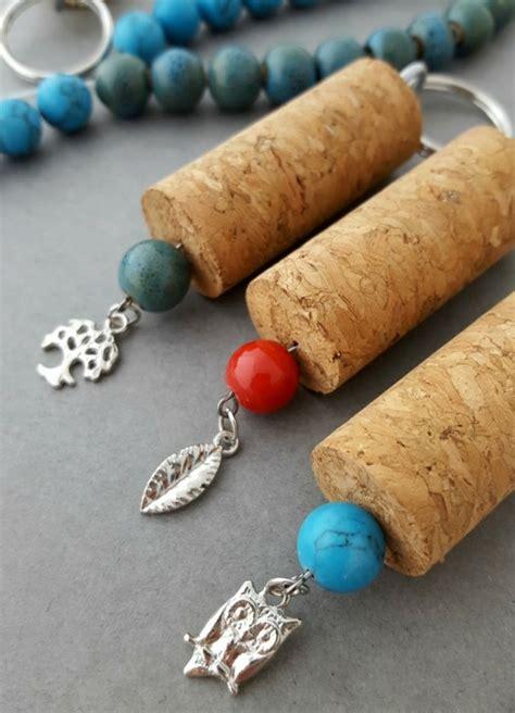 schlüsselanhänger mit perlen selber machen 1001 ideen zum thema basteln mit weinkorken