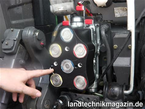 agritechnica russische traktoren für deutsche bild 1 die neue flachdichtende hydraulikkupplung