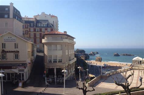 hotel dans la chambre le petit hôtel à biarritz