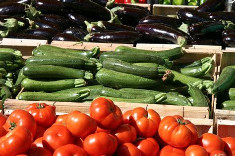 la cuisine ivoirienne fichier légumes pour ratatouille au marché d 39 apt jpg