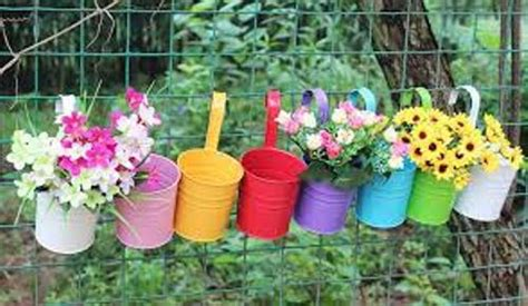 Garden Decoration Pots Ideas by How To Decorate Plastic Garden Pots 5 Ideas For Bright