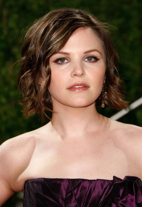 celebrity short hairstyles  oval face curly hairstyles