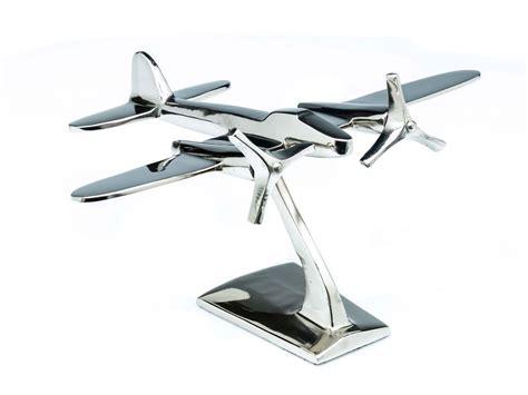 bureau avion maquette d avion pour bureau style déco aluminium