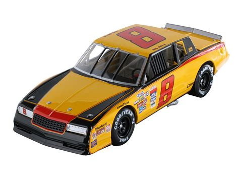 Start 2017 With A Die-cast Throwback