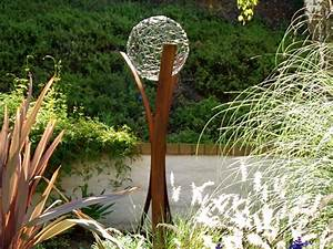 Deko Skulpturen Modern : gartendeko aus metall wie sie skulpturen effektvoll in szene setzen ~ Indierocktalk.com Haus und Dekorationen