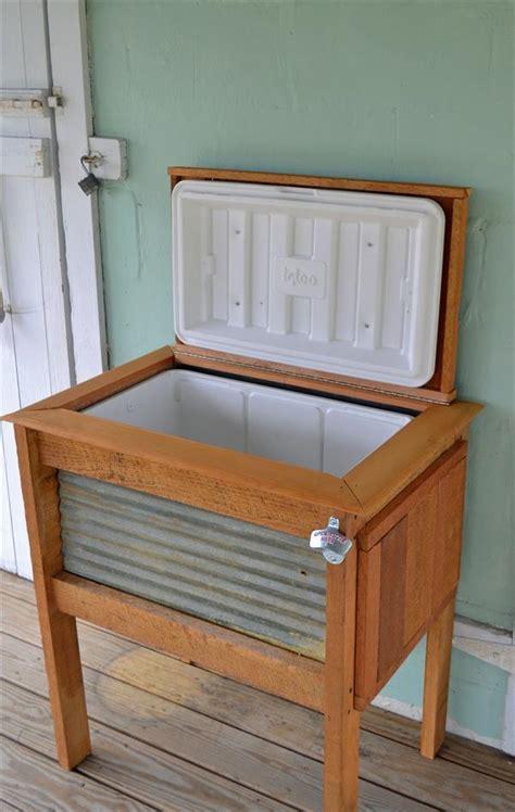 diy rustic pallet wood outdoor cooler 99 pallets