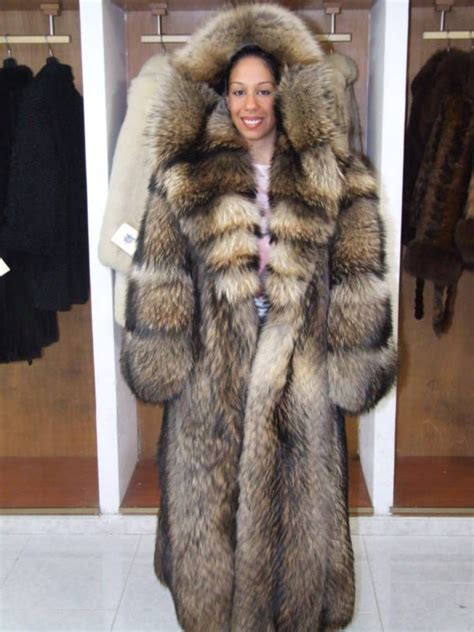 1000 images about fur on fur coats fur trade 1000 images about fur hoods on fox fur coat