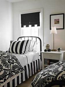 bedroom: Elegant Black and White Bedroom with Stunning ...