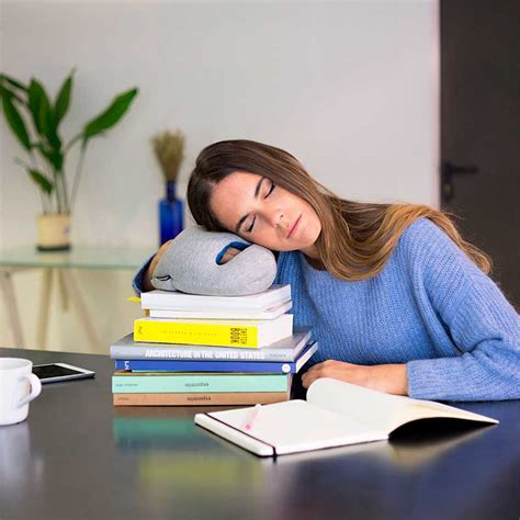 Falling asleep at work: 5 tips to stay awake   Ostrichpillow