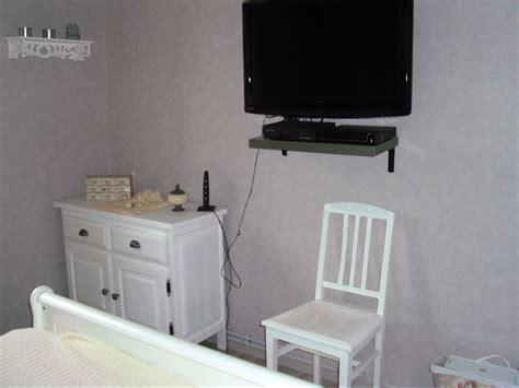 chaise de bureau ma chambre photo 4 5 ecran plat sur le mur petit meuble en pin