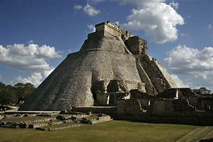 Ancient Mayan Architecture - Temples and Palaces