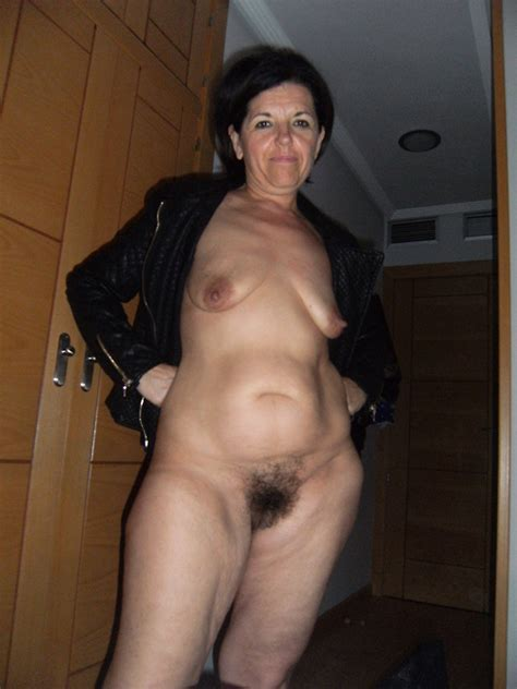 Dissolute milf pussy self-shot pics and hot nude matures. Full picture #4