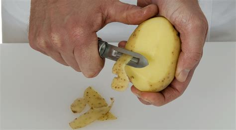 interior decorating kitchen how to keep peeled potatoes from turning gray or oxidizing