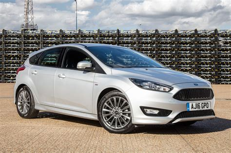 ford focus ford focus st line 2017 review by car magazine