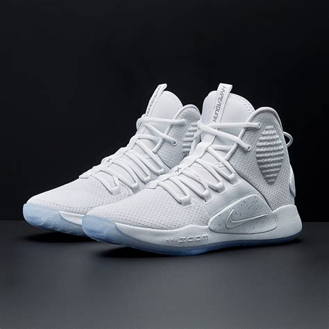 mens shoes nike hyperdunk  white basketball