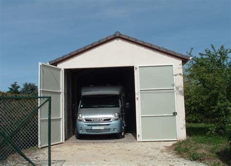 Construction D'un Garage En Béton Préfabriqué Pour Camping