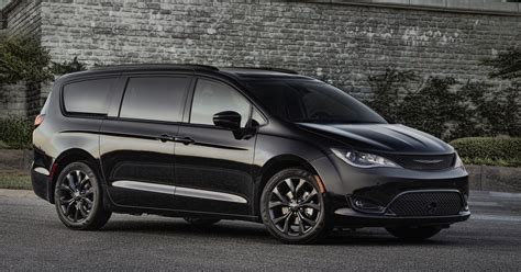 2018 Chrysler Pacifica S Appearance Package Makes It Look