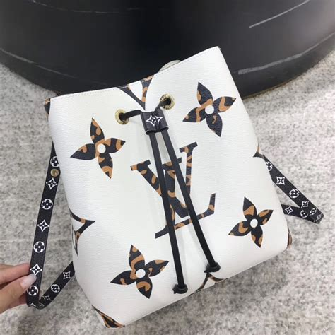 louis vuitton monogram jungle neonoe ivoire
