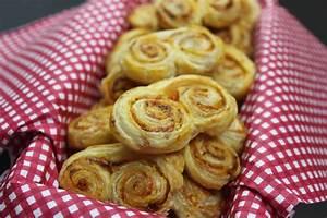 Rezepte Für Fingerfood : fingerfood rezepte bl tterteig gef llt mit tomaten ~ Whattoseeinmadrid.com Haus und Dekorationen