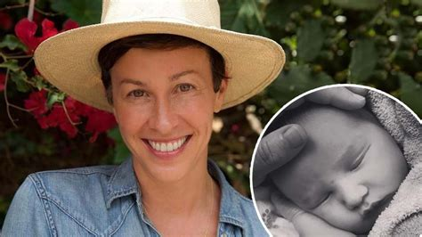 Alanis Morissette Has Given Birth To A Baby Boy   Hit Network
