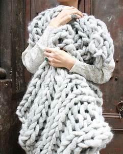 Plaid En Grosse Maille : couverture tricot xxl le charme in gal de la grosse laine dite chunky ~ Teatrodelosmanantiales.com Idées de Décoration