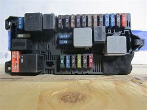 Mercedes Benz E320 - E350 -e500 Fuse Box