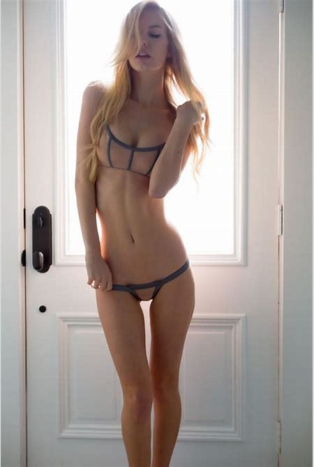 Girls With Sexy Thigh Gaps (16 Photos) | Classy Bro