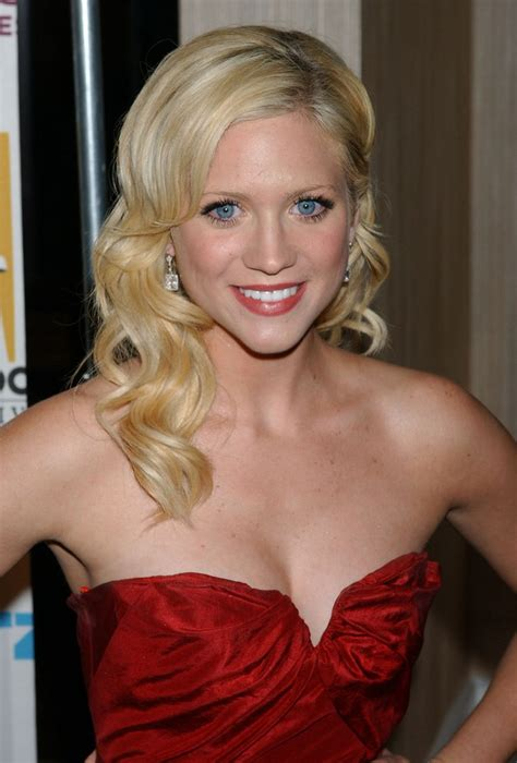 brittany snow long hair   bouncy style  large