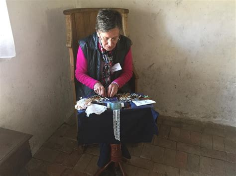 lace making demonstration   wey valley lace makers