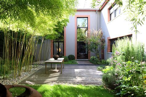 Terrace and bamboo. C0402   Mires Paris
