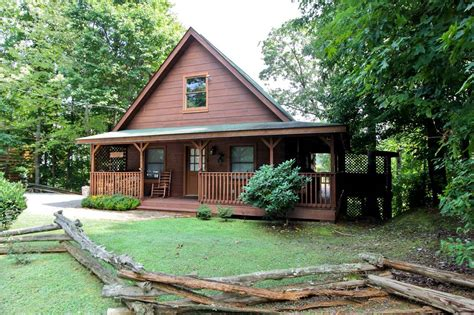 sevierville cabin rentals country charm 3 bedroom cabin rental in sevierville tn