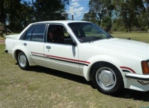 white touch up paint holden vb vc vh vk hdt brock commodore palais white spray