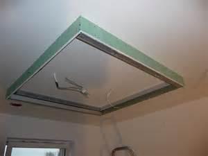 deckenbeleuchtung küche küche trockenbaonstrtion fã r deckenbeleuchtung in der kã che jetzt beleuchtungsideen decke