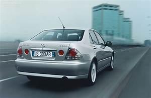 Lexus Is - 1998  1999  2000  2001  2002  2003  2004  2005